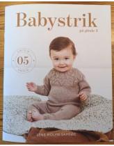 Babystrik på pinde 3 (hæfte nr 5)